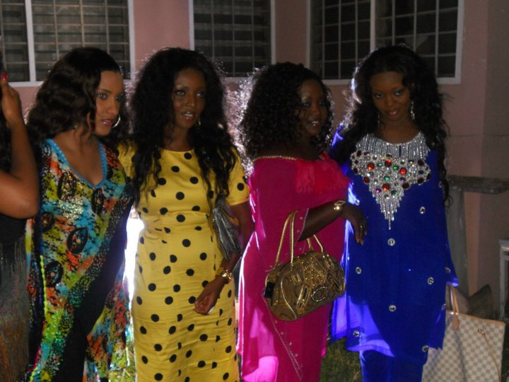 Actresses On Set For 4 Play Reload
