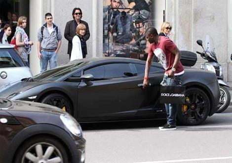Sulley Muntari Driving Lamborghini Gallardo1