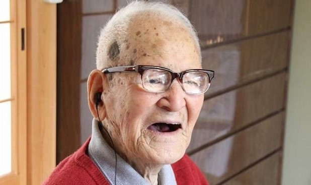 Jiroemon Kimura 2013 World's Oldest Ever Ma...